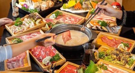 【上坤城市广场】轻轻松松实现和牛自由!78元抢门市价168元「六扇门海鲜锅物料理」单人寿喜烧自助餐!