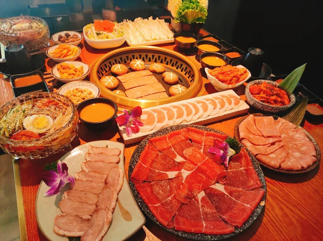 【熙地港店】让食肉控着迷的日式烤肉!¥118抢价值378「赤枫吉烧肉」3-4人餐=安格斯上脑心+太阳卷五花肉+秘制鸡腿肉等