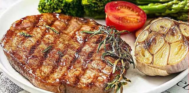 【全国多省包邮】专业做牛排!只为更健康!仅99元抢「牛问候整切牛排」牛问候/牛伺候整切牛排10片+小煎锅1个+刀叉1副+N!