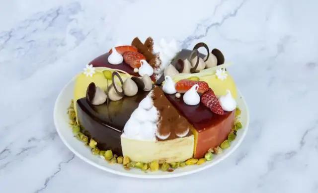 【成都五星王牌手工法式蛋糕】享五星级厨师定制仪式感!¥99抢价值336元「泰合索菲特大饭店」2磅法式生日蛋糕!口味3选1+可配送