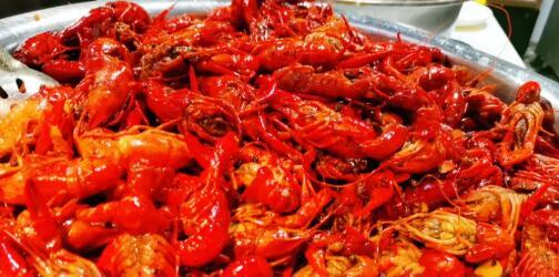 【碑林区丨小寨】畅吃小龙虾,玩转这个夏天!¥99抢价值256元「焱炑火转锅」双人自助套餐=小龙虾畅吃+自助火锅烤肉!