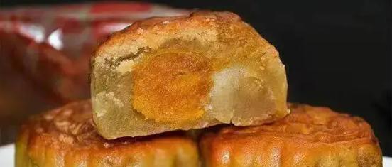 【包邮到家·巢娭毑月饼】长沙本土网红月饼!抢不到的美味|中秋佳礼!70元抢价值100元巢娭毑莲蓉蛋黄月饼8个500g!
