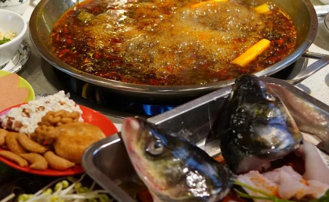 【DY】【成都|武侯区】现点现杀!新鲜美味蛙蛙与鱼!¥98抢价值188元「蜀大锅蛙蛙鸡鲜鱼火锅」美蛙/水库花链/梭边鱼3选1+N