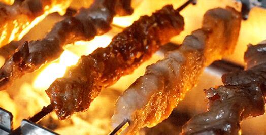 【韦曲商圈】吃虾撸串,秋季新体验!¥39.9抢价值146元「马虎烤肉牛肉面」小龙虾烧烤=麻辣小龙虾+烤肉串+土豆片+N!