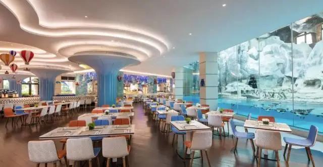 【珠海长隆·企鹅酒店帝企鹅自助餐厅】来长隆一定要来这家特色餐厅!和企鹅一起吃饭!¥288起抢「企鹅酒店帝企鹅自助餐厅」自助午餐!