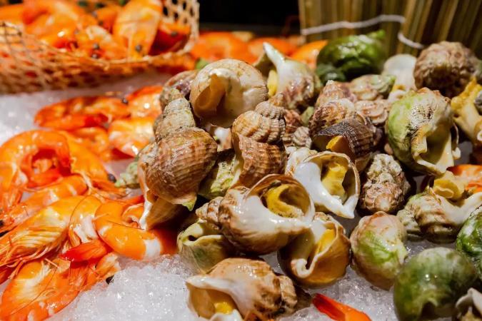 周末不涨价,融创堇山/万达嘉华西餐厅自助晚餐,海鲜、寿司、热菜、甜品等N+种菜式等你来品~