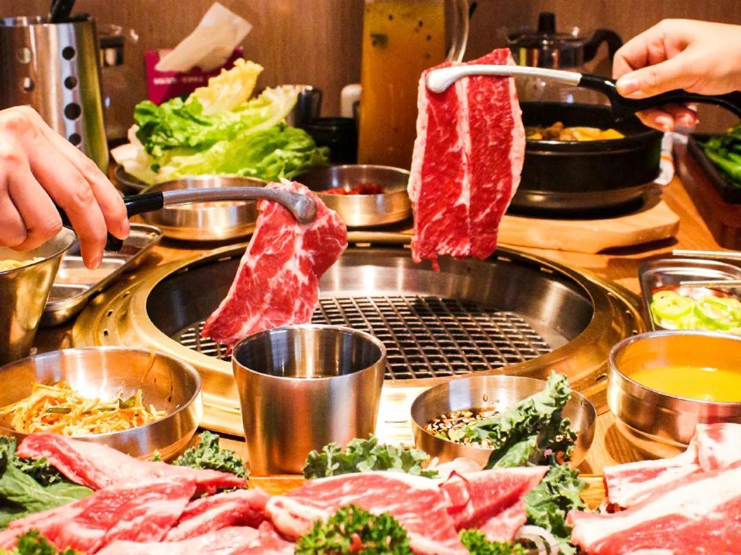 【30店通用】烤肉界的扛把子!99元抢价值231元「汉拿山烤肉」豪华套餐=水晶肥牛+五花肉+鸡腿肉+石锅拌饭+玉米沙拉等