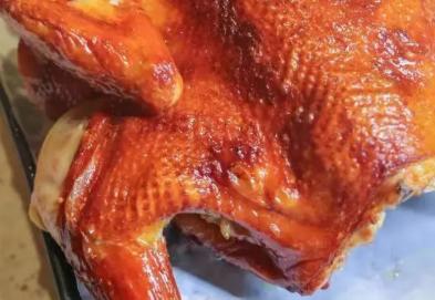 青秀区埌西地铁口·忆之味餐厅丨仅9.9元抢门市价128元果碳烧脆皮鸡1只约3斤!肉质紧嫩不柴!皮脆肉嫩且多汁!