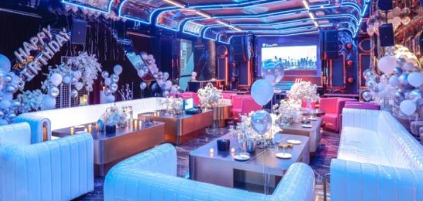 【西御街领地中心】城市里的乌托邦,潮流+艺术+交友!¥688起抢价值1444元「CRAZY PARTY k」轻奢A套餐!